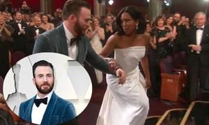 Chris Evans khiến fan nữ 'điên đảo' vì cử chỉ tinh tế tại Oscar 2019