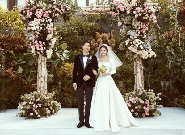 Song Joong Ki - Song Hye Kyo kết hôn tháng 10/2017. Hai người được gọi là cặp đôi quyền lực của làng giải trí Kbiz.