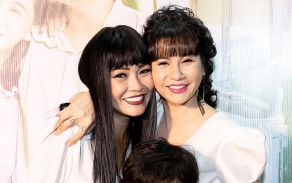 Ca sĩ Phương Thanh là một người bạn thân thiết của Cát Phượng.