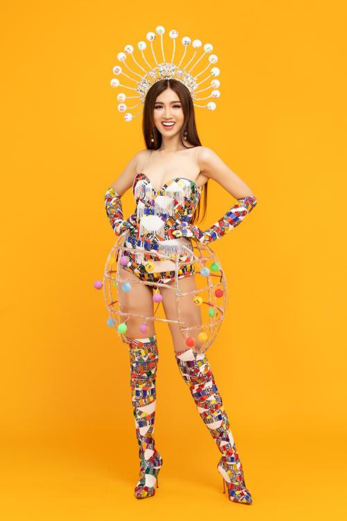 Trang phục dân tộc khác lạ, lấy cảm hứng từ lô tô của Nhật Hà
