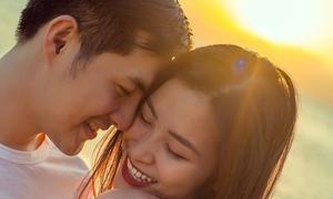 10 năm yêu nhau vững như tường thành của Đông Nhi - Ông Cao Thắng
