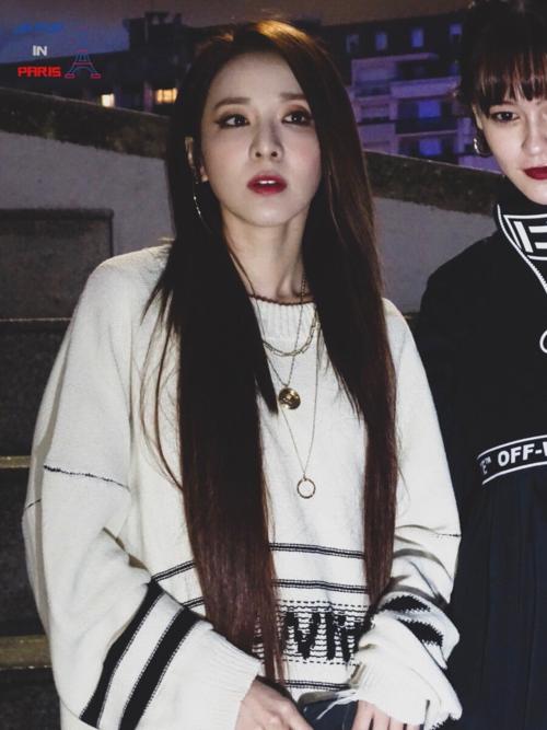 Bị chê thần tượng hết thời, Dara vẫn đắt show tại Paris Fashion Week - 3