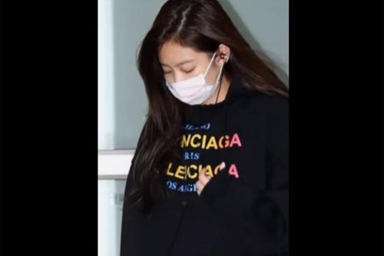 Paparazzi có nhận ra idol Hàn sau lớp khẩu trang? (6) - 5