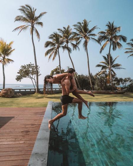 Những bức ảnh của cặp blogger du lịch nổi tiếng - 1