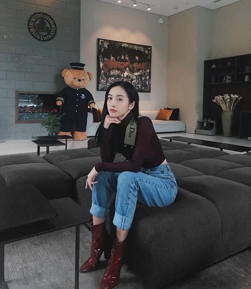 Jun Vũ ngày càng giống con gái Hàn Quốc.