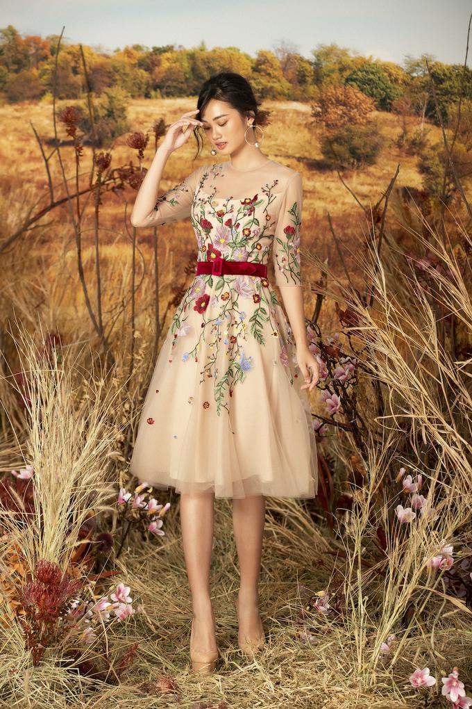 <p> Sắp tới, Lê Thanh Hòa sẽ ra mắt bộ sưu tập ready to wear mùa Xuân Hè 2019.</p>