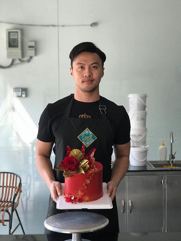 Chiếc bánh đã hoàn thiện của Shark Khoa.