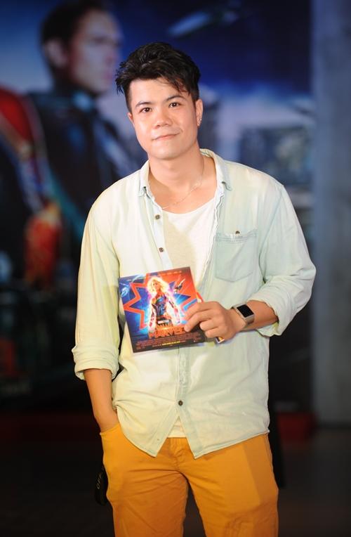 Ca nhạc sĩ Đinh Mạnh Ninh.