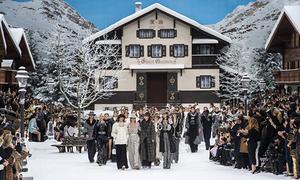 Không còn Karl Lagerfeld, show Chanel vẫn gây choáng ngợp