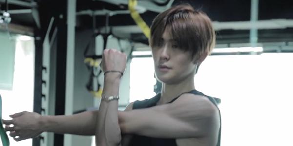 Jae Hyun khoe khéo cơ bắp trong video mới.