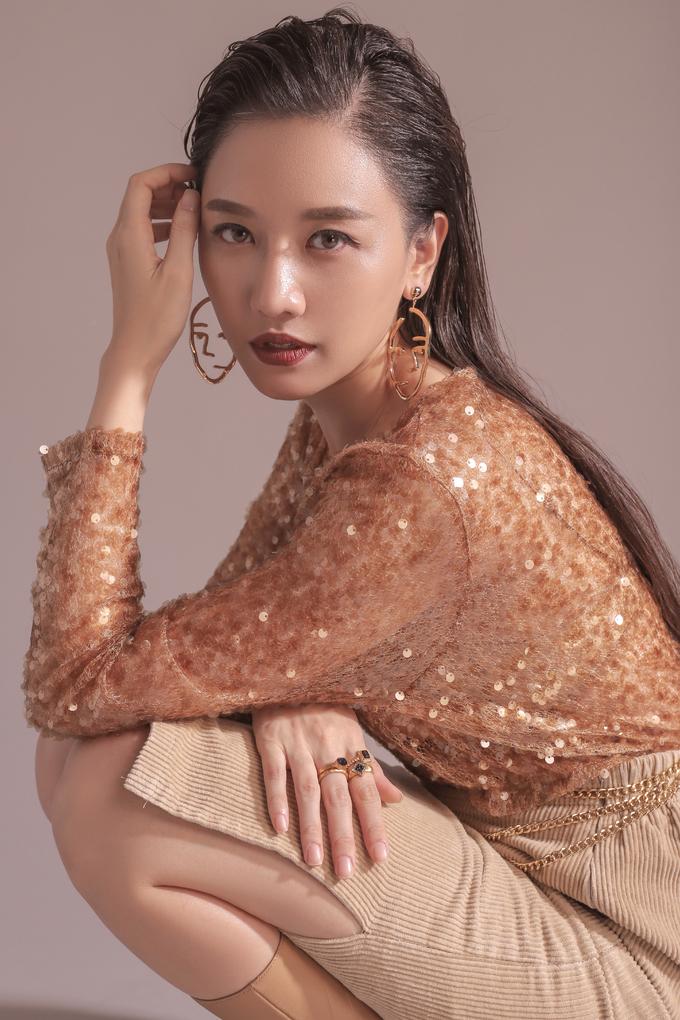 Chụp ảnh thời trang quá thần thái, Hari Won được fan khuyên làm người mẫu