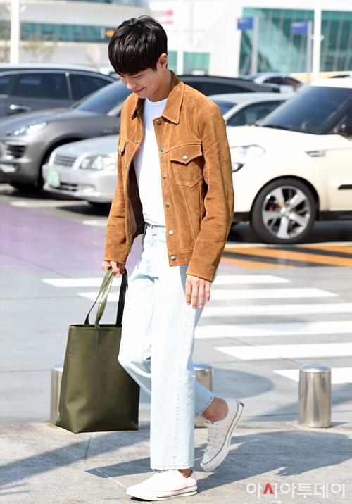 Park Bo Gum được khen ngợi khi ra sân bay cũng chỉn chu, mặc đẹp không kém khi lên phim.
