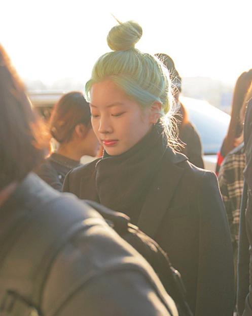Da Hyun luôn thích nhuộm các màu nổi, độc lạ, hợp với nước da trắng sáng của cô nàng. Tuy nhiên người hâm mộ lo lắng khi Da Hyun phải tẩy tóc quá nhiều, khiến tóc ngày càng yếu, xơ xác hơn.