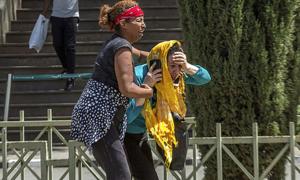 Thân nhân hành khách 'chết lặng' chờ tin vụ máy bay rơi tại Ethiopia