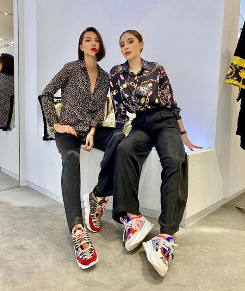 Dù bị nghi ngờ yêu đồng giới, Minh Triệu và Kỳ Duyên vẫn không ngại rủ nhau đi sắm đồ đôi.