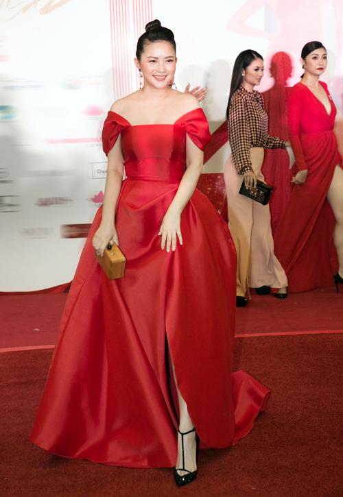 Phan Như Thảo lộng lẫy trên thảm đỏ sau thời gian biến mất khỏi các sự kiện showbiz.