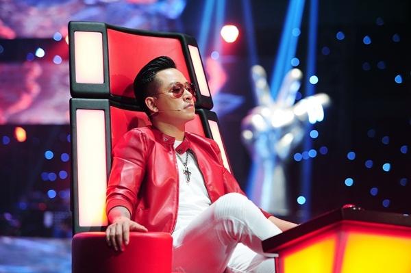 Tuấn Hưng quay trở lại ghế nóng The Voice sau bốn năm.