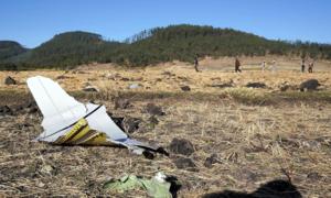 Ethiopia tìm thấy hai hộp đen máy bay gặp nạn