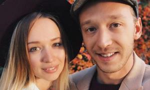 Phút cuối của vợ chồng người mẫu Nga trong thảm họa máy bay Ethiopia