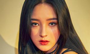 'Thiên thần lai' Nancy sexy quá đà trong ảnh comeback