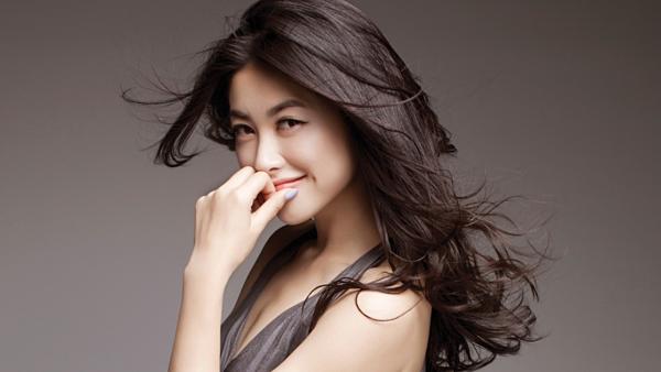 Chu Châu - người mẫu, MC Trung Quốc đứng ở vị trí thứ 10 trong top 100 gương mặt đẹp nhất châu Á.