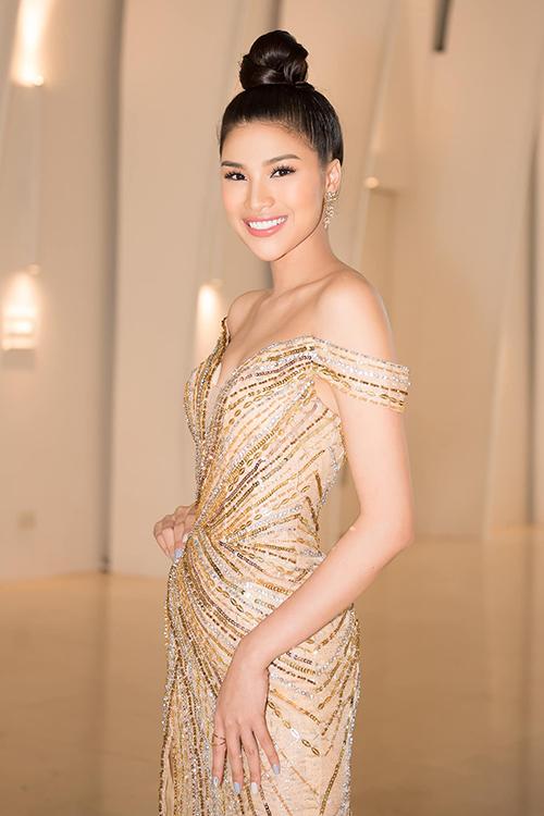 Á hậu 3 cuộc thi Miss Eco International 2017 được khen nhan sắc rạng ngời cùng thân hình ngày càng thon thả.
