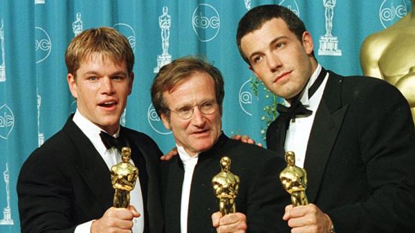 Nam diễn viên Robin Williams (giữa) cùng 2 nam chính của phim.