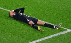'Cậu bé Vàng' Mbappe bị PSG phạt nặng vì tội đi muộn