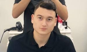 Văn Lâm đi cắt tóc, ăn phở ngay khi về Việt Nam