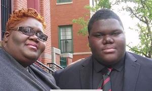 Chàng trai vô gia cư trúng tuyển 17 trường đại học Mỹ
