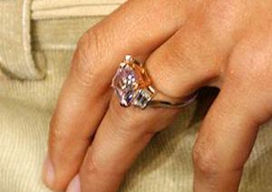 Mắt tinh tường chọn chiếc nhẫn đắt nhất - 5