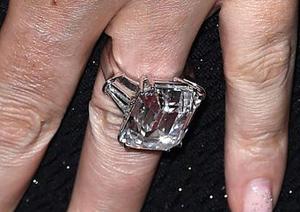 Mắt tinh tường chọn chiếc nhẫn đắt nhất - 7
