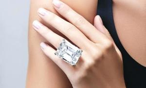 Mắt tinh tường chọn chiếc nhẫn đắt nhất