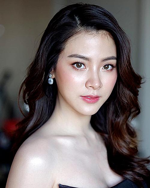Bỏ qua những ồn ào trong quá khứ, Baifern vẫn quyết tâm theo đuổi bộ môn nghệ thuật thứ bảy. Vai Gink trong Friendzone mới đây được xem là vai diễn mang lại hào quang cho Pimchanok. Nhờ sức hút của bộ phim, Baifern sở hữu lượng người hâm mộ đông đảo tại Thái Lan. Tài khoản Instagram của cô nàng thu hút hơn 4 triệu lượt theo dõi.