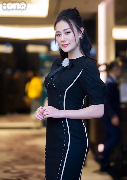 Nàng dâu Orderlà bộ phim đầu tiên Lan Phương tham gia sau khi làm mẹ. Trong phim, cô vào vai Hoàng Yến, nữ tác giả tiểu thuyết online kiêm blogger nổi tiếng. Cô có cuộc tình sét đánh với Phong (Thanh Sơn) rồi nhanh chóng kết hôn. Về làm dâu, với tính cách sống ảo, cô gặp nhiều rắc rối.Phương Oanh có sự trở lại sau vai diễn Quỳnh Búp bê gây bão trên sóng VTV năm 2018. Trong phim mới, Phương Oanh đảm nhận vai Vy - nhân vật phản diện, là tình địch của Lan Phương trong phim. Phương Oanh cho biết, cô ghét nhân vật mình đóng từ khi đọc kịch bản. Vì vậy, cô đã chuẩn bị sẵn tinh thần đón nhận phản ứng của khán giả với vai diễn Vy.