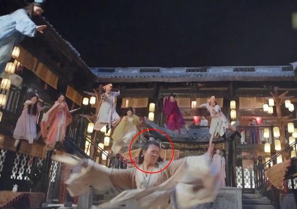 Nhân vật Diệt Tuyệt sư thái bị lộ mặt diễn viên đóng thế thay vì Châu Hải My.