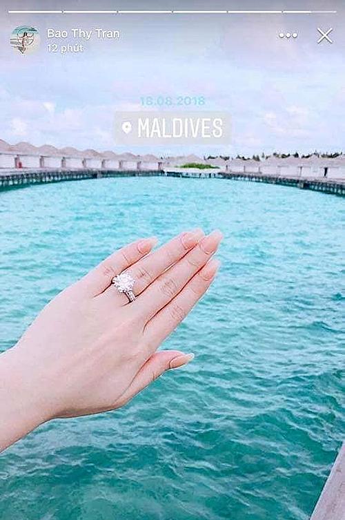 Chiếc nhẫn kim cương hơn 10 carat trên ngón áp út được Bảo Thy tậu hồi giữa năm 2018.