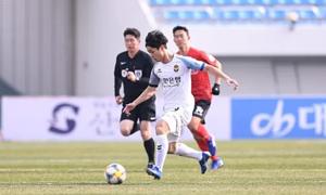 HLV Incheon United: 'Công Phượng là ngôi sao ở Việt Nam nhưng ở Hàn thì chưa'