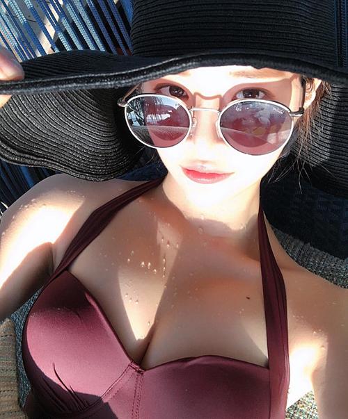 Yoo Hye Won, bạn gái gần đây nhất của Seung Ri, thường đăng ảnh nóng bỏng trên trang cá nhân.