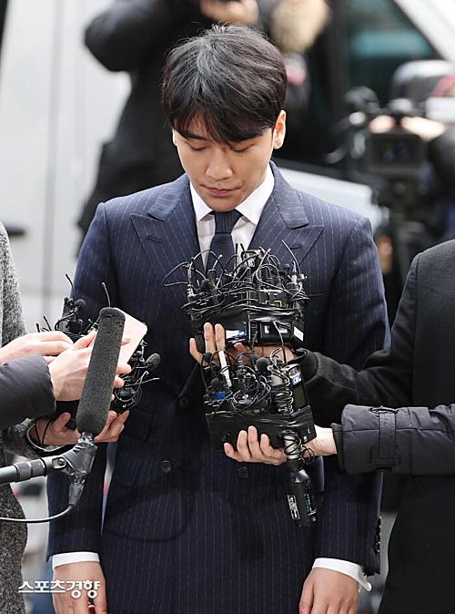 Seung Ri khẳng định bản thân vô tội trước những cáo buộc.