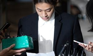 Jung Joon Young đọc lời xin lỗi nạn nhân ở Tòa án Seoul