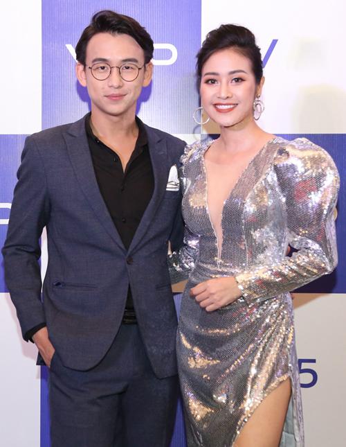 MC Quốc Bảo - Phí Linh.