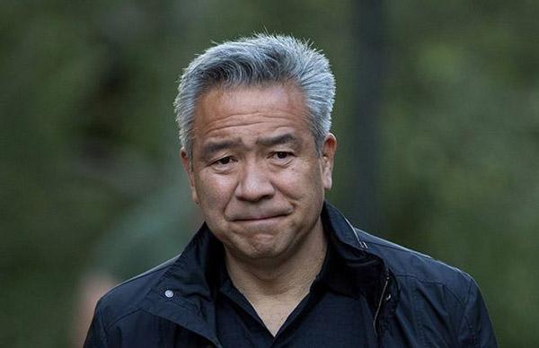 Kevin Tsujihara từng gắn bó với Warner Bros một thời gian dài trước khi vướng vào tin đồn bê bối tình dục.