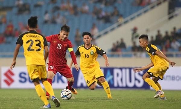 Quang Hải được HLV Park Hang-seo tung vào sân ở ngay đầu hiệp 2. Ảnh: Lâm Thỏa.