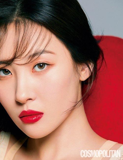 Bên cạnh hoạt động âm nhạc, Sun Mi cũng là gương mặt quảng cáo ăn khách. Cô liên tục xuất hiện trên các tạp chí thời trang và được nhiều thương hiệu ưu ái.