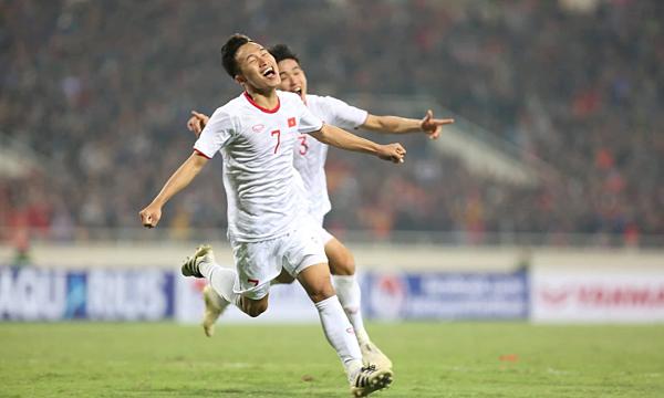 Triệu Việt Hưng ăn mừng bàn thắng vào lưới Indonesia. Ảnh: Xuân Bình.
