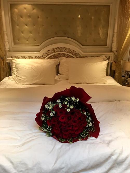 Phòng ngủ sang trọng của Lý Nhã Kỳ.