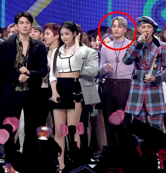 Trong khi các fan đang nhiệt tình ship Se Hun - Jennie thì cô nàng lúc này đang hẹn hò cùng Kai (EXO).