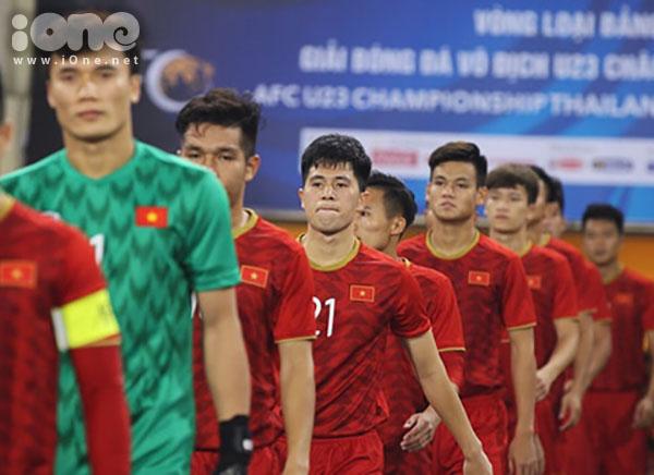Đình Trọng khoác áo số 21 tại U23 Việt Nam.