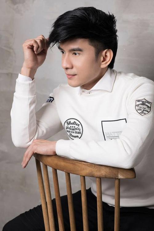 Anh vẫn hoạt động nghệ thuật ở thị trường Việt Nam và lưu diễn nhiều nước trên thế giới. Bước vào độ tuổi U40, Anh Bo vẫn khiến nhiều người bất ngờ bởi độ trẻ trung, gương mặt vẫn toát lên vẻ soái ca. Ở những sự kiện xuất hiện, giọng ca Tình khúc vàng ghi điểm với hình ảnh chỉn chu, giọng hát sâu lắng.